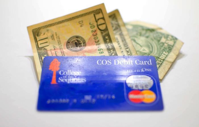 Debit-Card vs. Cash